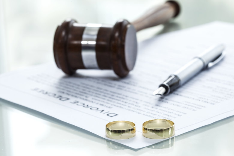 How Divorce Lawyers Can Help You Professionally Settle Your Marital Matters